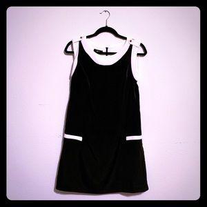BCX Sleeveless Shift Dress (juniors)